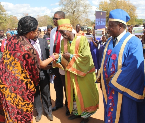 UNFPA ESARO | Female chief from Malawi uses her power to end
